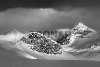 Berge im Morgenlicht im Tal Stuor Reaiddavaggi, Kebnekaisefjaell, Lappland