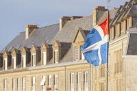 Flag and houses of Saint Malo