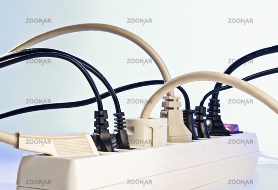 Power strip with plugs