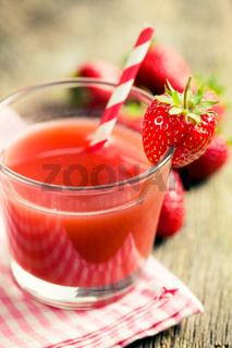strawberry juice in glass