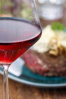 Rotwein mit Steak