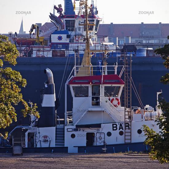 Ships in Kaiserhafen 1, Bremerhaven, state of Bremen, Germany, Europe