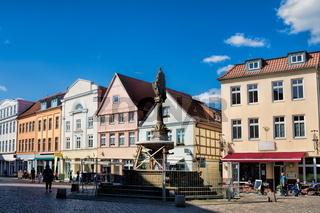 güstrow, deutschland - 07.06.2019 - pferdemarkt in der altstadt
