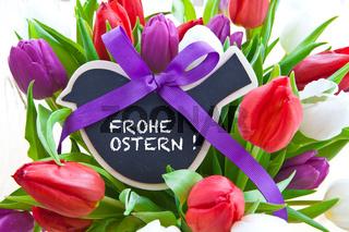 Bunte Tulpen mit kleiner Tafel