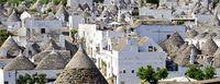 Blick über die Trullidächer von Alberobello
