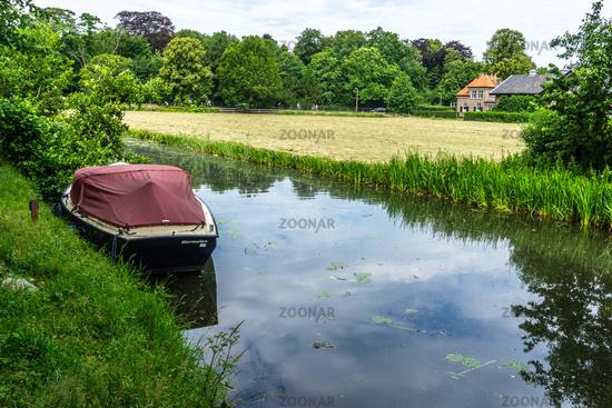 Am Kanal unterwegs in Holland-11.jpg
