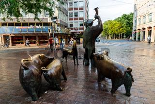 Hirt mit Schweinen or Shepherd with pigs sculpture in centre of Bremen