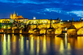 Prag - Czech - Karluv Most at blue hour