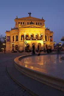 Frankfurt - Alte Oper am Abend