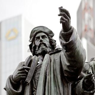 F_Gutenberg-Denkmal_02.tif