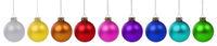 Weihnachten bunte Weihnachtskugeln Kugeln Advent in einer Reihe isoliert freigestellt Freisteller