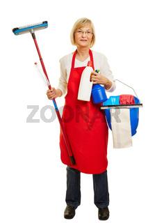 Seniorin als Putzfrau