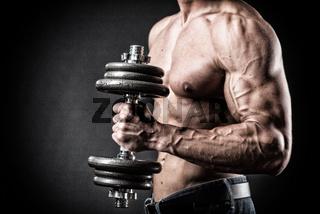 bodybuilder mit hantel