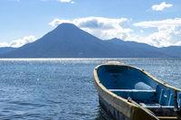 Boot am See atitlan in guatemala