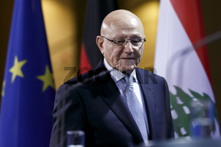 Merkel meets Tammam Salam of Lebanon in Berlin