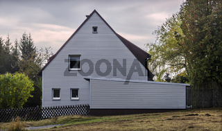Quergestreift - ein Einfamilienhaus