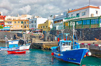 Fishing boats and seafood restaurants in Los Abrigos