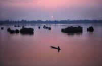 Muang Khong, Laos, Insel Don Det mit Sonnenaufgang ueber dem Mekong und den Viertausend Inseln