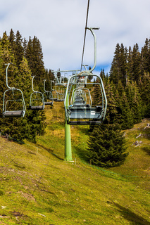 Ski lift for skiers