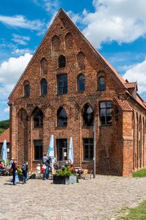 Gemuetliches Cafe auf dem Gelaende des Bad Doberaner Münsters, Bad Doberan, Mecklenburg-Vorpommern