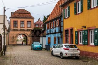 Entrance Town Gate, ger. Landauer Tor, fra. Porte de Landau, in Lauterbourg, Wissembourg, Bas-Rhin, Grand Est, France