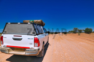 Als Selbstfahrer mit Dachzelt unterwegs in Namibia | Self driving with roof tent in Namibia