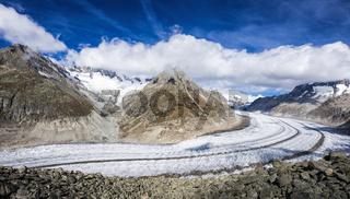 Aletschgletscher blauer Himmel und Wolken