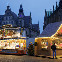 Small Christmas market 2020 on the Domshof with few visitors during the corona pandemic, Bremen