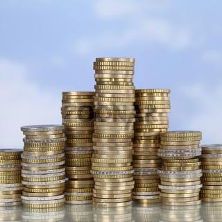 Münzen Siegerpodest Thema Erfolg, siegen und gewinnen