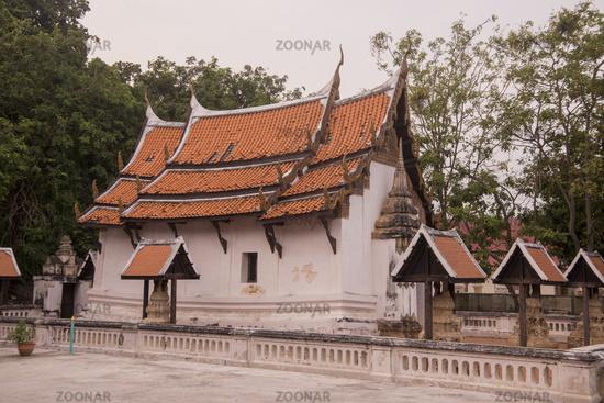 THAILAND PHETBURI WAT SRA BUA TEMPLE