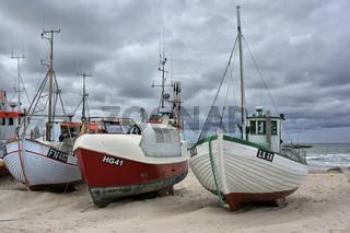 Fischerboote am Strand von Loekken