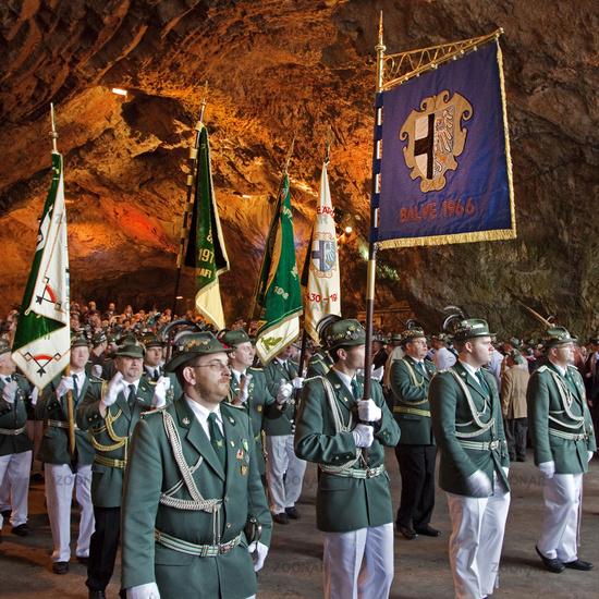 Marksmen in the Balve cave.