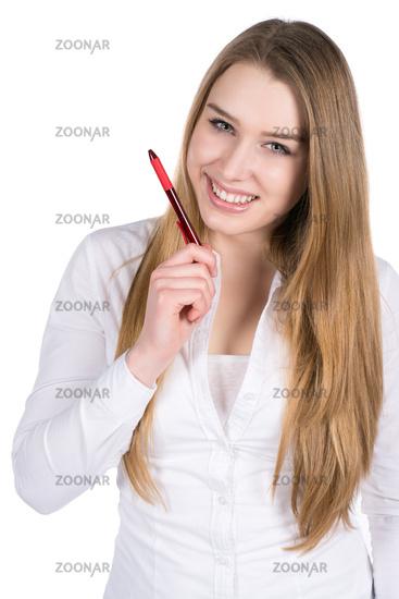 Junge Frau hält einen Stift