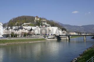 Staatsbrücke, Café Bazar und Hotel Stein, Salzburg. Österreich