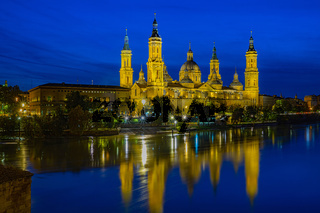 Spain - Zaragoza - Basilika El Pilar at Night
