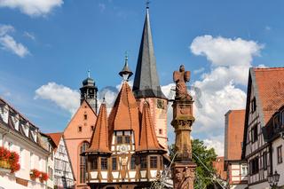 Historisches Altes Rathaus auf dem Marktplatz in Michelstadt im Odenwald, Hessen