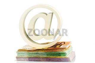 Klammeraffe und Geldscheine