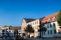 halle saale, deutschland - 17.06.2019 - domplatz mit brunnen