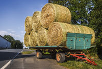 The hay wagon at the road
