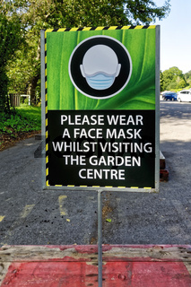 Please wear a face mask sign at Crockerton garden centre