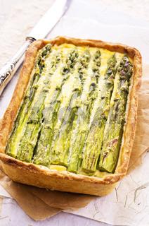 tart wit asparagus
