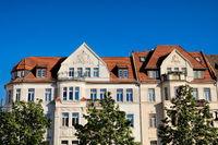 halle saale, deutschland - 17.06.2019 - sanierten altbauten in der altstadt