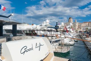 Yachten im Hafen in Saint-Raphael
