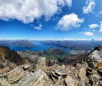 Queenstown and Lake Wakatipu, Otago, South Island, New Zealand, Oceania.