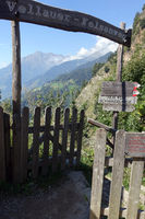 The Vellau Rock path, a spectacular hiking trail for those with a head for heights