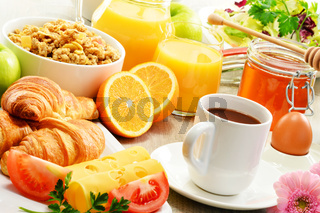 Breakfast consisting of fruits