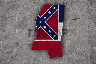 Karte und Fahne von Mississippi auf verwittertem Beton - Map and flag of Mississippi on weathered concrete