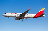 Iberia Airbus A320neo Flugzeug Flughafen Athen in Griechenland