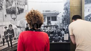 traenenplalast history  museum, historic photographs