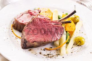 venison carree with vegetables